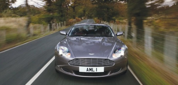 aston-martin-db9-moving