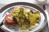 scrambles-eggs-smoked-mackeral-recipe