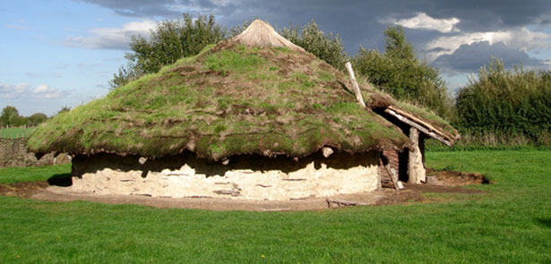 Bronze-Age-Roundhouse-at-Flag-Fen